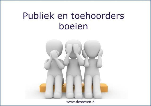 Publiek en toehoorders boeien tijdens toepsraak of presentatie