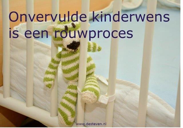 Onvervulde kinderwens en kinderloosheid is rouwproces